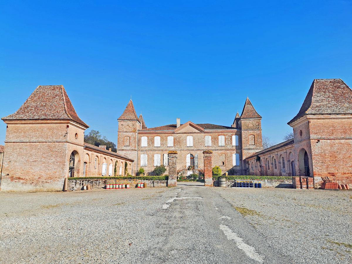 A château in Bézéril